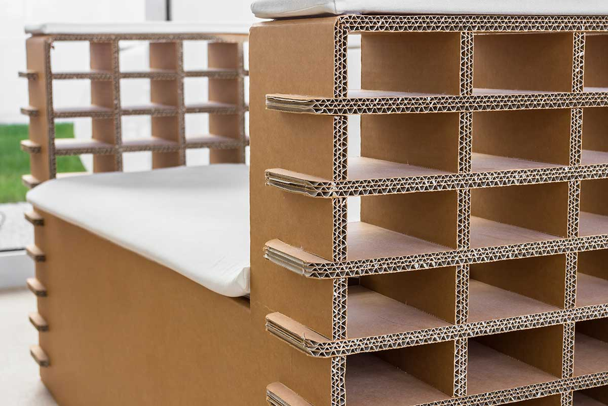 8 brilliant uses for cardboard boxes xtraspace - Mobili materiale riciclato ...