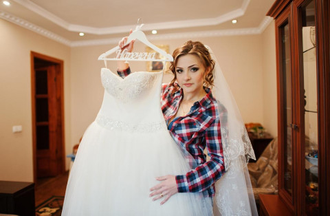 How to store wedding dress
