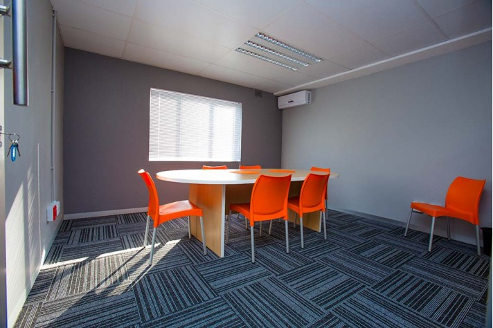 xtraspace flexi office meeting room