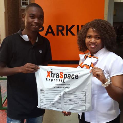 Kemoabetswe Ramoroki receiving XtraSpace prize